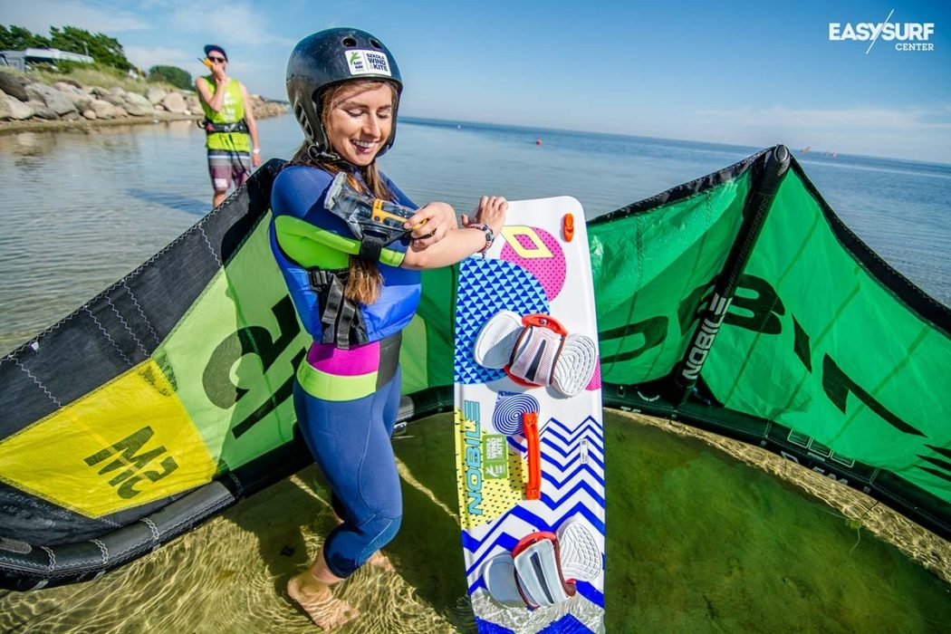 Kitesurfing lessons with radio - why should you try?